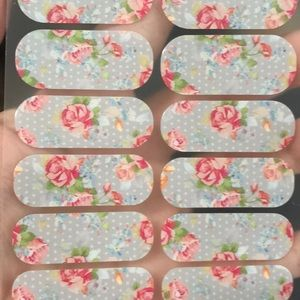 Jamberry december 2015 host exclusive Floral